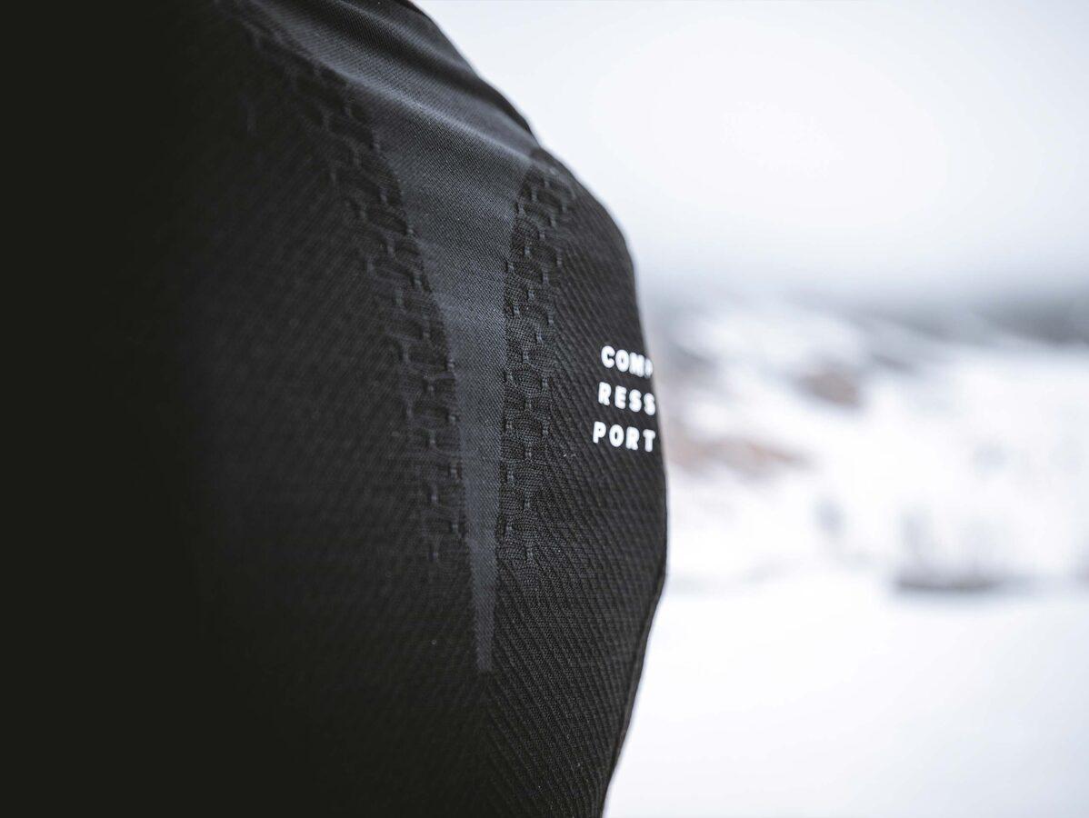 Taku skriešanas ziemas piegulošais krekls, sieviešu