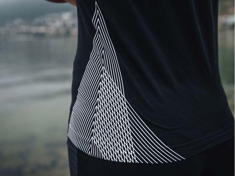 Skriešanas krekls  sievietēm, melns Compressport Performance SS Tshirt W