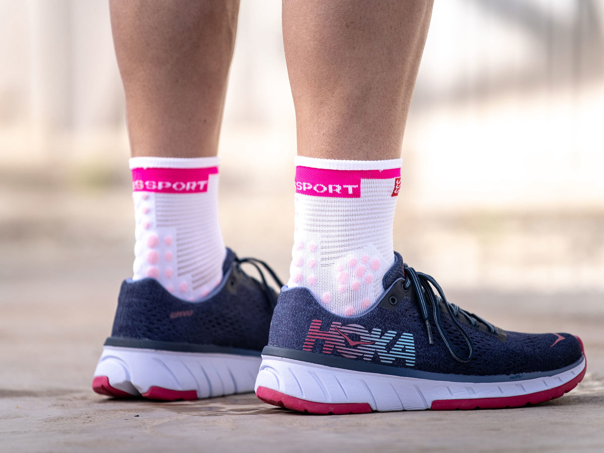 Skriešanas zeķes Compressport Pro Racing Socks V3 Run High, augstas